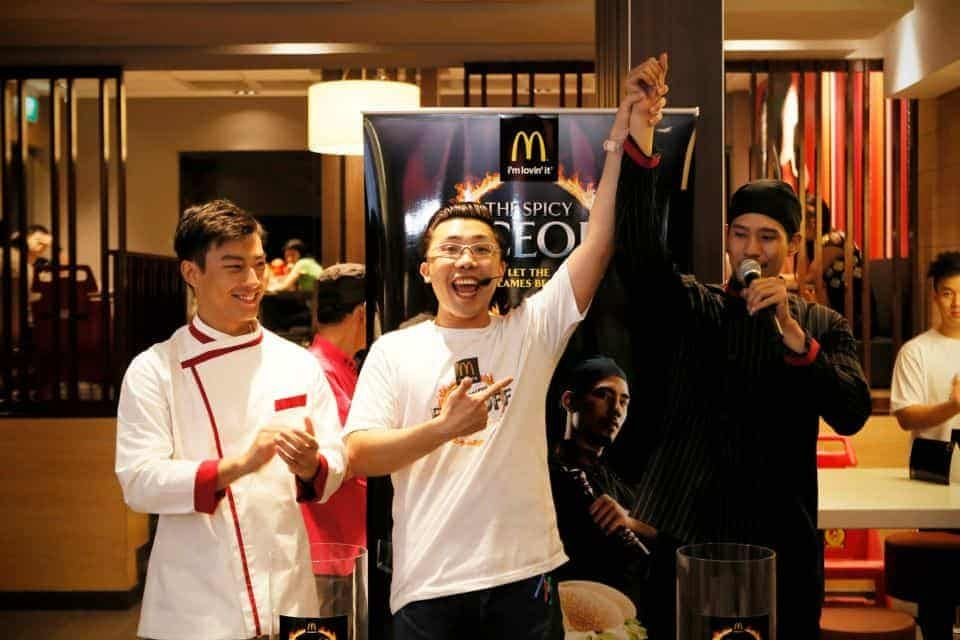 ROADSHOW road show emcee singapore – McDonald's Spicy Face-Off!