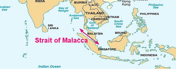 Через Малаккську протоку проходить третина всіх товарів у світі.