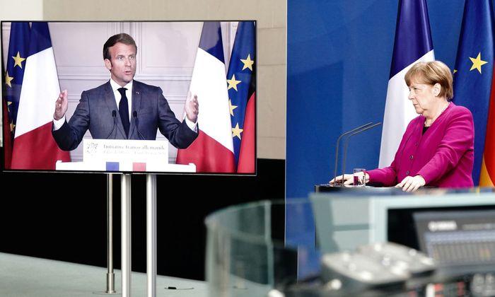 Меркель та Макрон презентують план відновлення Європи по відеозв'язку.