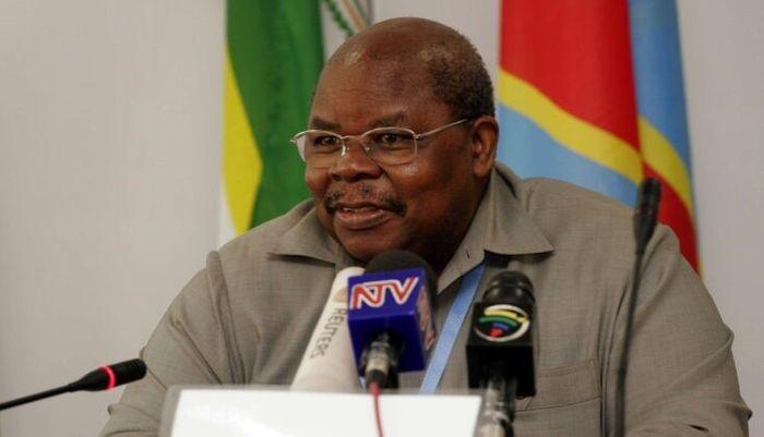 Третій президент Танзанії Бенджамін Мкапа (1995-2005) підтримав відхід від соціалістичного розвитку та відчинив двері для іноземних інвесторів