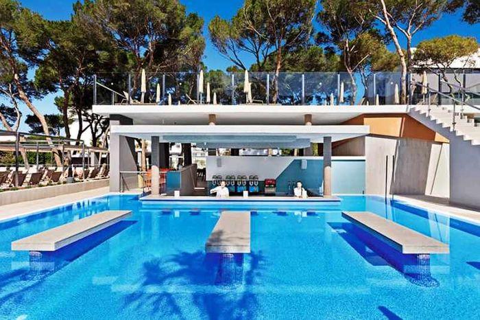 Отель Riu Плайя Парк Майорка, вид на бассейн. фото