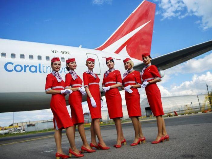 Экипаж авиакомпании Royal Flight готов к полету в Испанию. фото