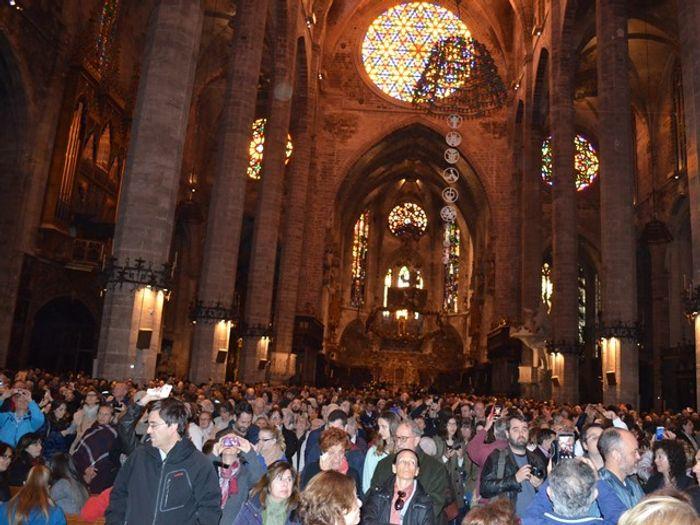 В Кафедральном соборе Майорки во время явления
