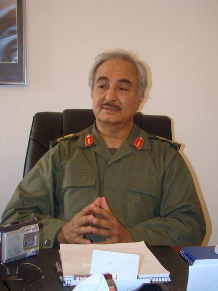 Генерал Халіфа Хафтар, що кинув виклик міжнародно визнаному уряду.