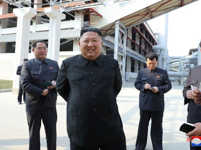 Кім Чен Ин на відкритті заводу з виробництва добрив у Сунчоні, 2 травня 2020