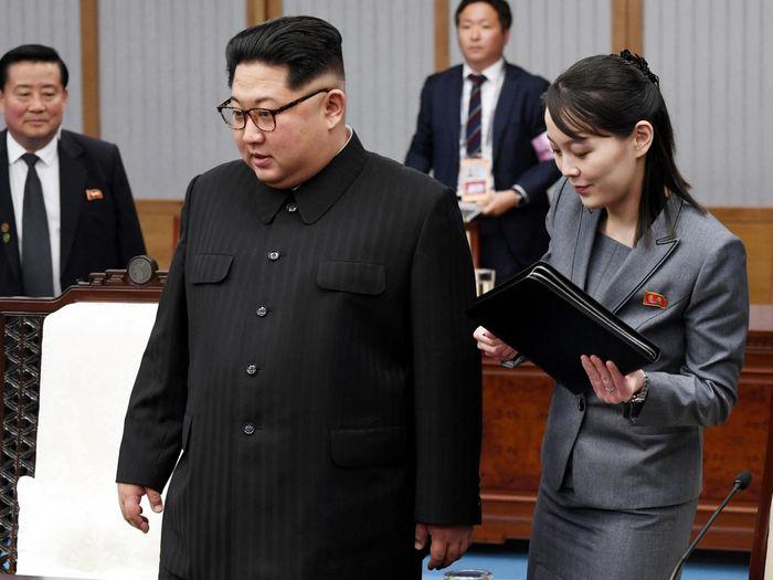 Кім Йо Чжон з братом на Міжкорейському саміті в Пханмунджомі, квітень 2018