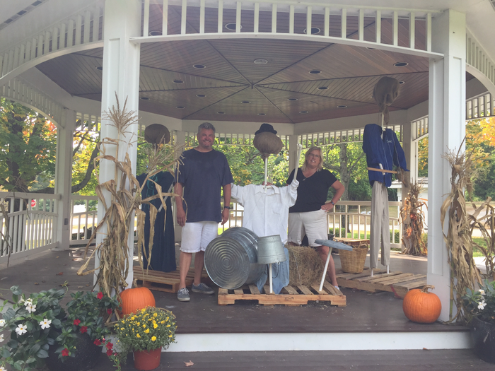 <i>Thank you Wally & Kathy Kilgore for your creativity and time setting up our Scarecrow Band!</i>