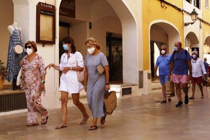 с 13 июля ношение масок на улицах будет обязательным на Майорке. Фото