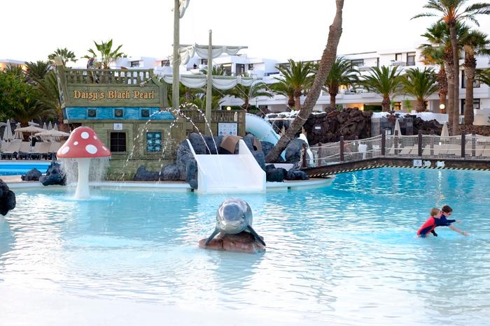 Piscina del Hotel H10 Lanzarote Gardens