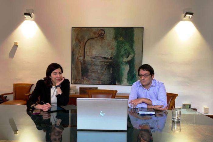Он лайн совещание членов Правительства Балеар ,Лаго Негеруэла и Росана Морильо с Топ менеджментом TUI . Фото из твитераЛаго Негеруэла