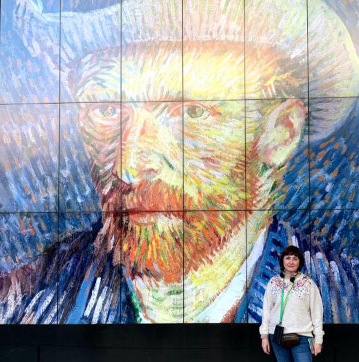 Autoretrato en el museo Van Gogh.